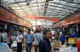 Wuhan kødmarked før corona - Ingen masker